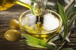 olive-oil-zikovic.jpg